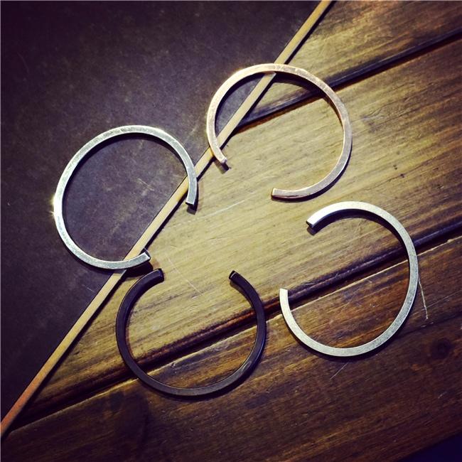 飾品 小樣的情侶飾品項是手環戒指等,都是低調放閃的最佳選擇!