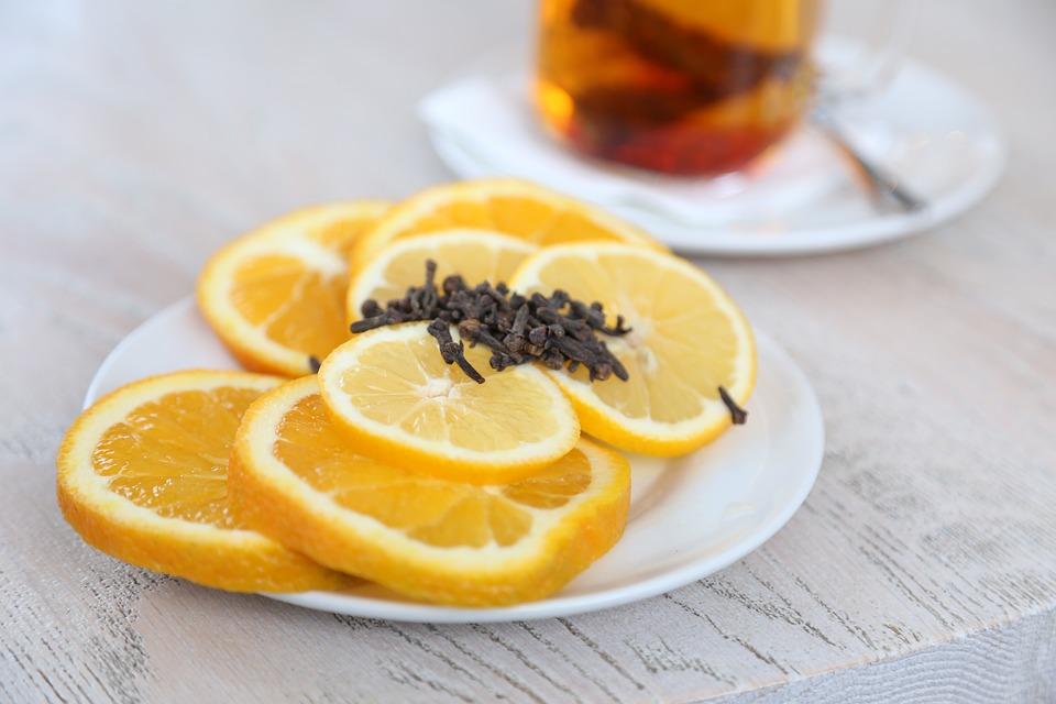 ➤ 檸檬 柑橘類的水果也大部分都是感光類食物。
