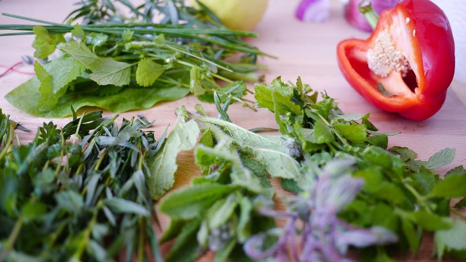 ➤ 香菜 還有很常被應用在各種料理裡的香菜也是。