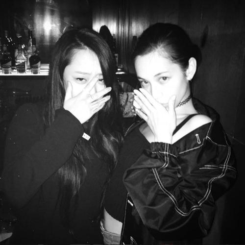 和水原希子也是好朋友,常在instagram po出兩人的合照~