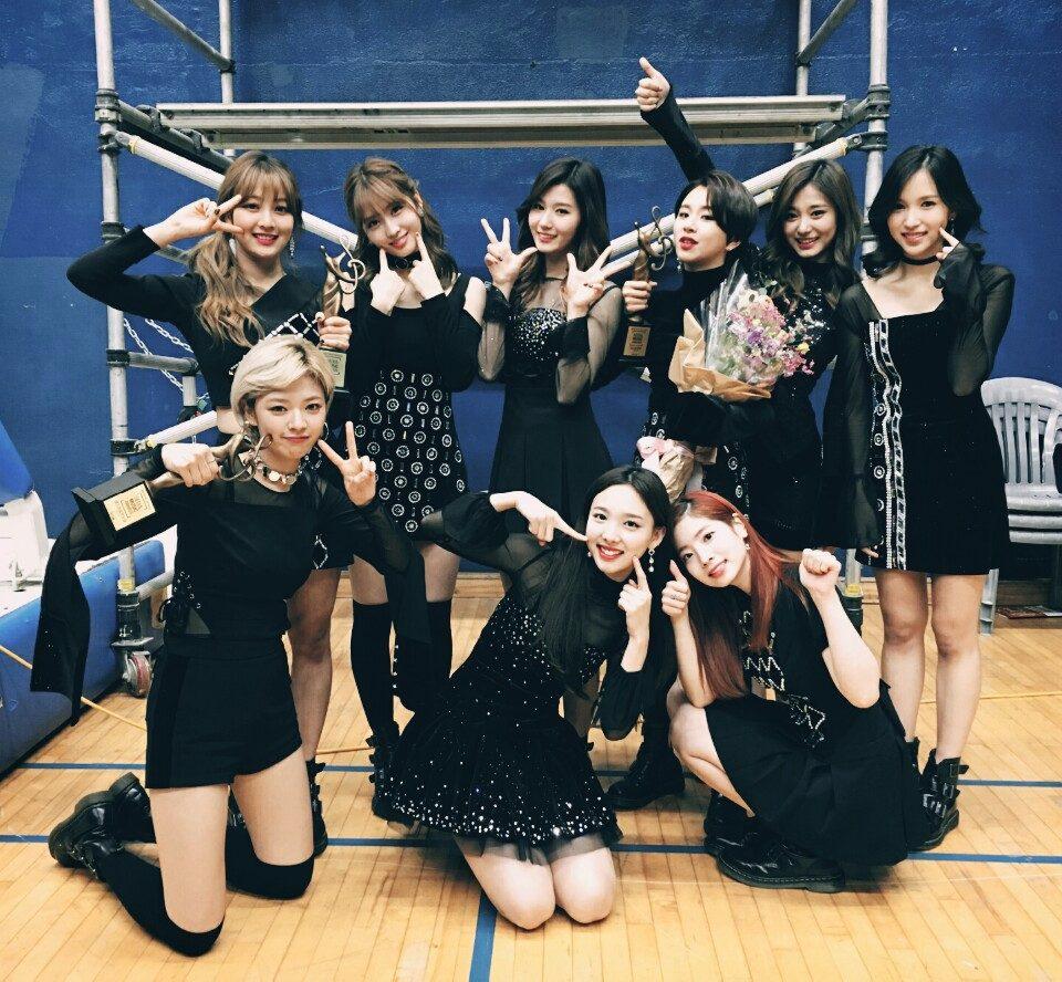 TWICE 唯一一組上榜的女團,則是同樣還沒有在日本出道的TWICE, 在韓國新生代女團中也有壓倒性人氣的她們,在成員中三位日本籍成員的帶頭之下,才剛釋出在日本要出道的消息就引起討論
