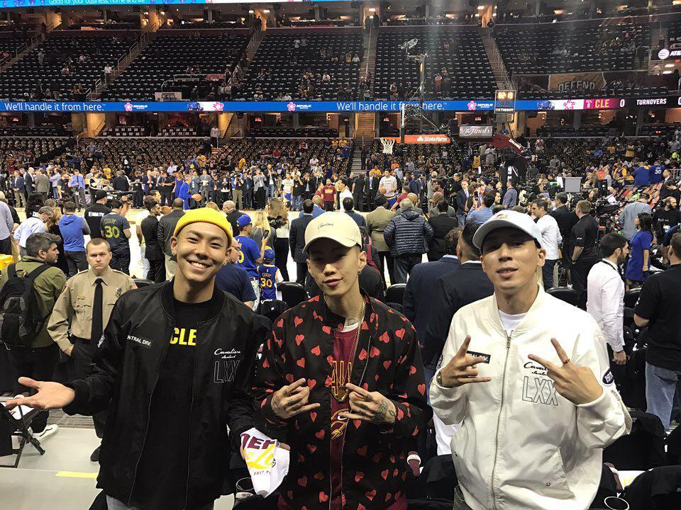 而現在熱血球迷又要多加一位了! 歌手朴載範在前幾日也上傳了在NBA冠軍賽現場的照片,並表示能夠觀看冠軍賽是一次很棒的經驗。