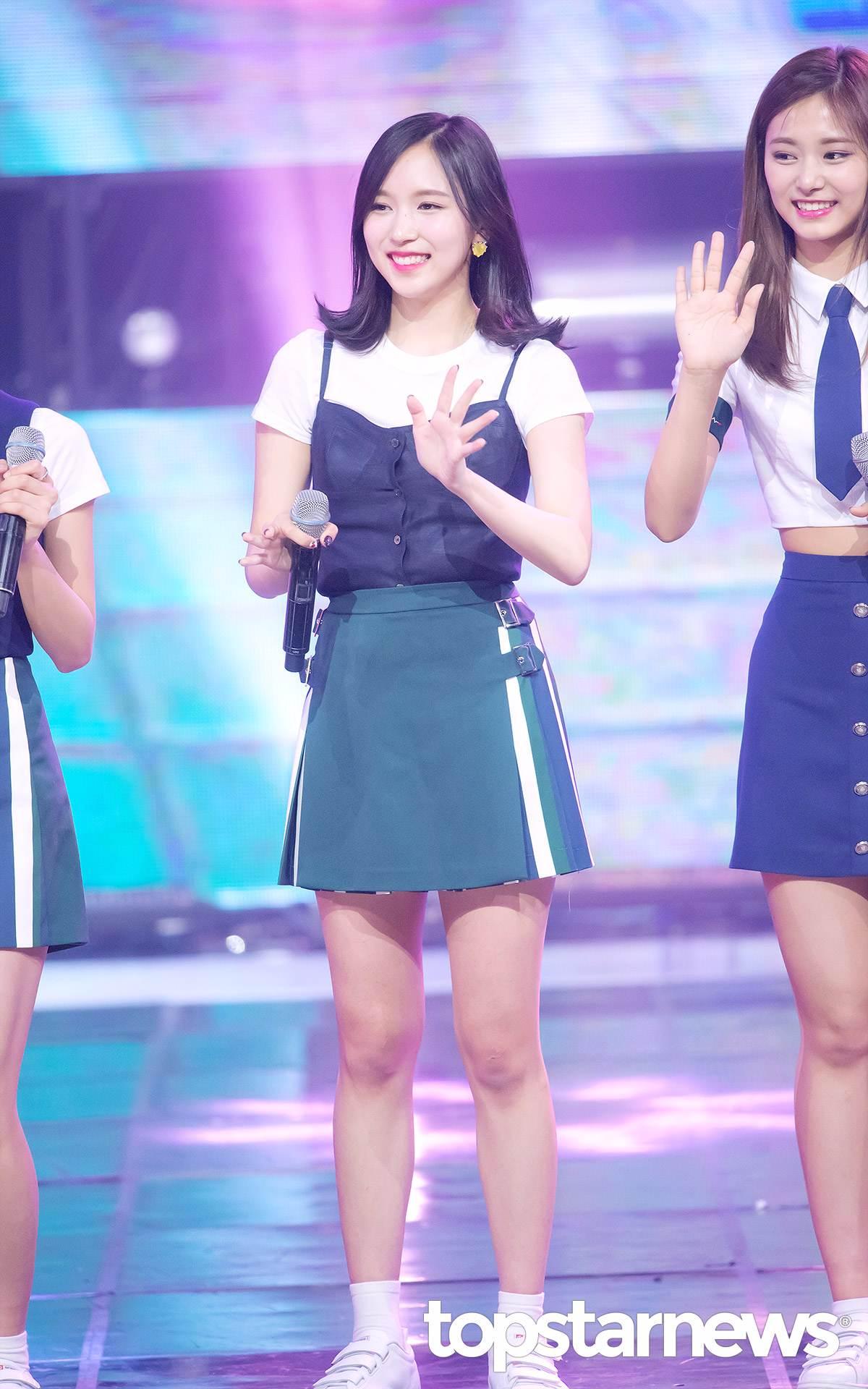 就連平常不常哭的Mina也在演唱會現場留下了眼淚,看來最近Mina也承受了不小壓力,真的辛苦你們了ㅠㅠ