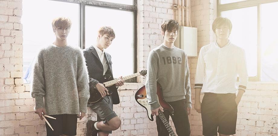N.Flying是韓國FNC公司推出的第三個男子樂團,由權光珍、李承協、車勳和金宰鉉組成。四位成員在公司也當了近10年的練習生,正式出道後也備受矚目,但至今卻已有兩年多未發片,讓不少死忠粉絲等到超心累....無法理解公司到底在幹嘛。