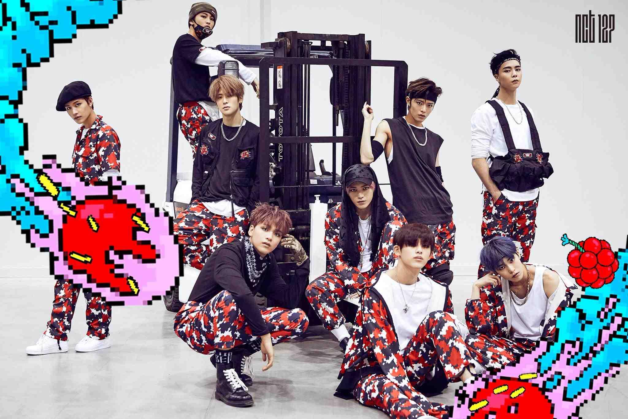 但NCT也很常被說是SM的實驗品,因為他們所發行的歌曲,似乎都跟時下流行的音樂風格不太類似,所以一開始的大眾度真的都不高ㅠㅠ但NCT的歌真的是越聽越好聽的類型呢~ 而在韓國論壇上也有網友表示NCT可能會是SM成績最不好的團體吧! 每次看到這種言論小編真的很難過啊ㅠㅠ