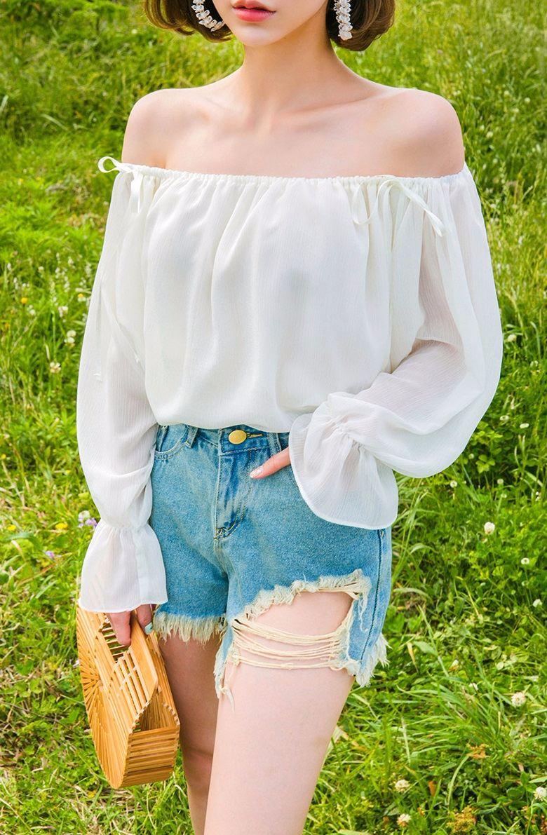 #腿夠白 大多數男生都是喜歡皮膚比較白的女生,當然美腿對他們而言也是要夠白囉!