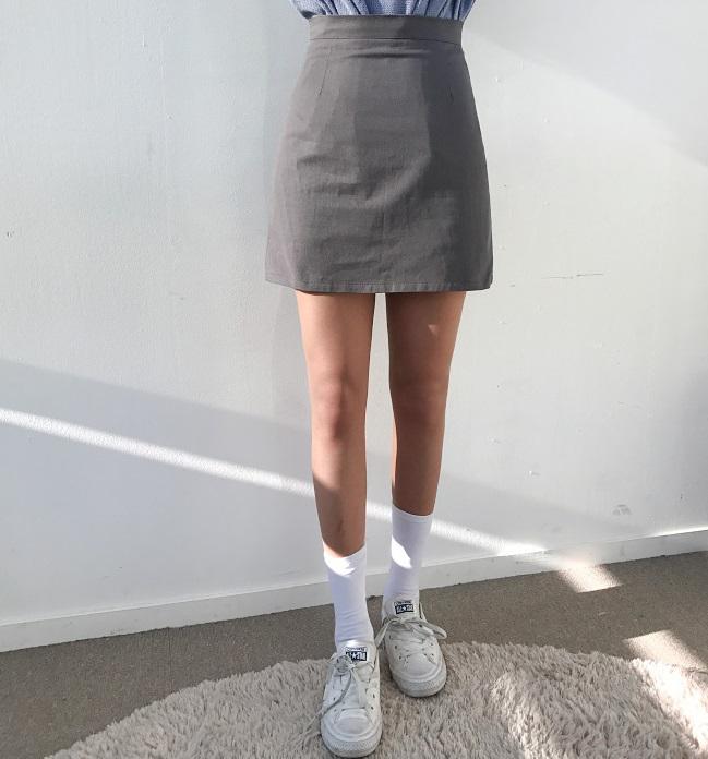 #不會太瘦太細 不過如果你的腿瘦到像竹竿反而不OK啊!這種看起來太瘦的其實不討男生喜歡呢~