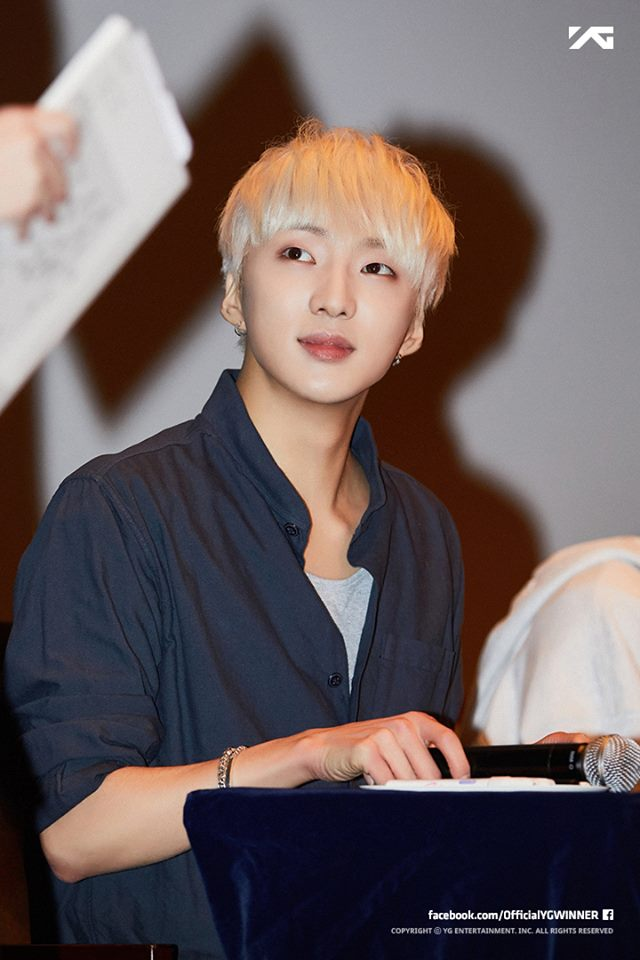 WINNER 姜昇潤 2010年因參加Mnet的選秀節目《Super Star K 2》而獲得關注的姜昇潤,當時甚至傳出可能有出道的機會,但最後姜昇潤選擇加入YG娛樂成為練習生努力練習,還好最後以WINNER成員的身分成功出道~