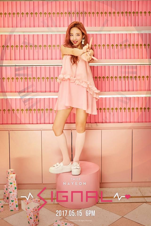 最近有韓國網友找到了當年娜璉還沒出道前和師姐秀智合作的廣告影片,網友看到後紛紛表示三歲真的完全都沒有變!完全一樣漂亮啊