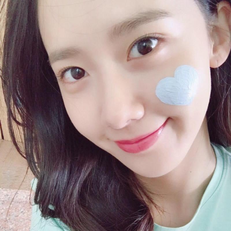 喜歡韓國彩妝的粉絲們應該都會知道innisfree這個牌子吧,小編除了化妝品以外也很喜歡它們家的保養品,innisfree的保養品都是走天然路線用起來對皮膚不會有太大的負擔,有粉絲也喜歡它們家的產品嗎...?