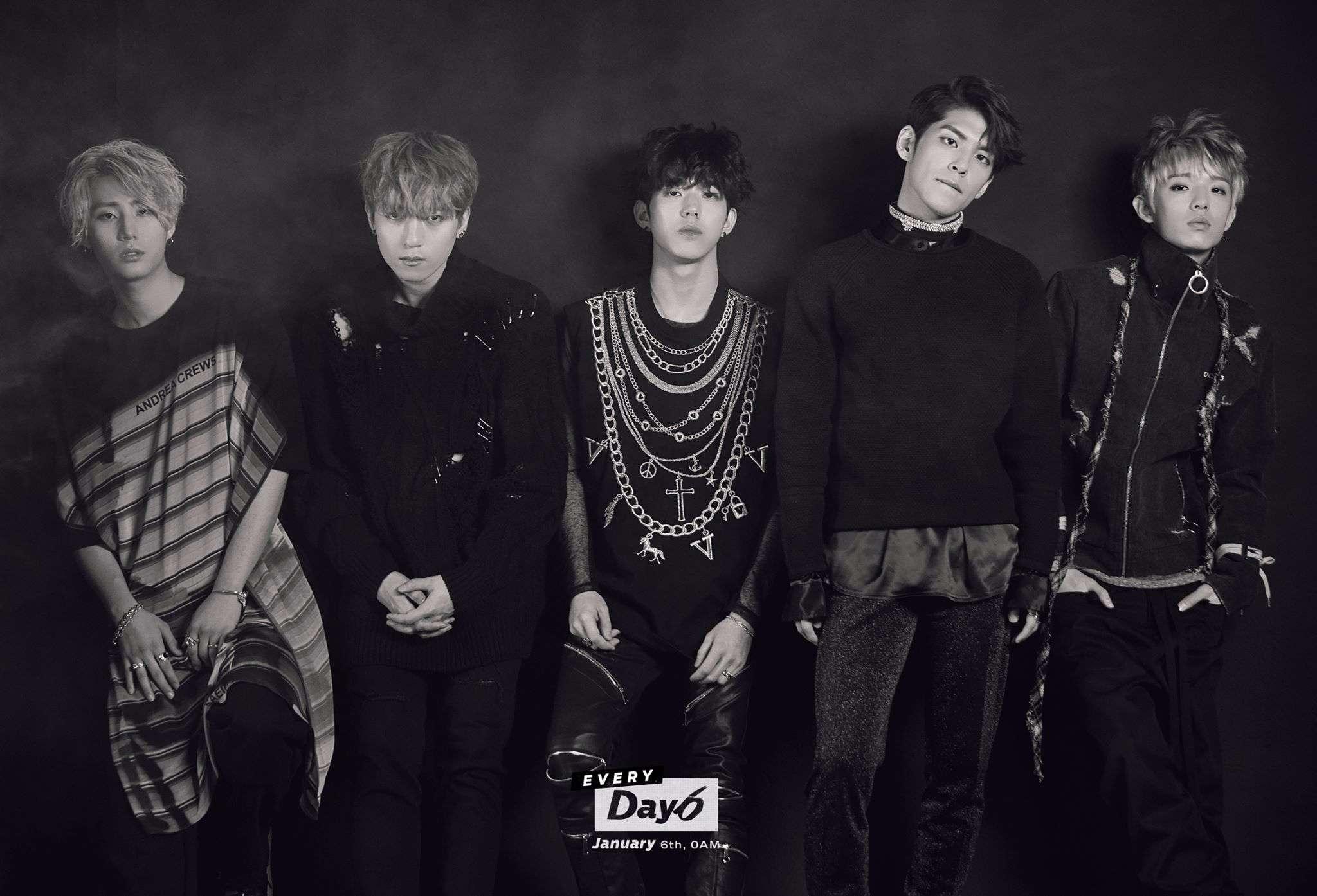 就是DAY6 JYP旗下唯一的樂團 2015年9月7日出道 出道至今快兩年 其實還比TWICE早出道 但粉絲們很感嘆公司不好好的推DAY6 無法像TWICE一樣粉絲多,大眾認知度也非常高 很可惜!!!