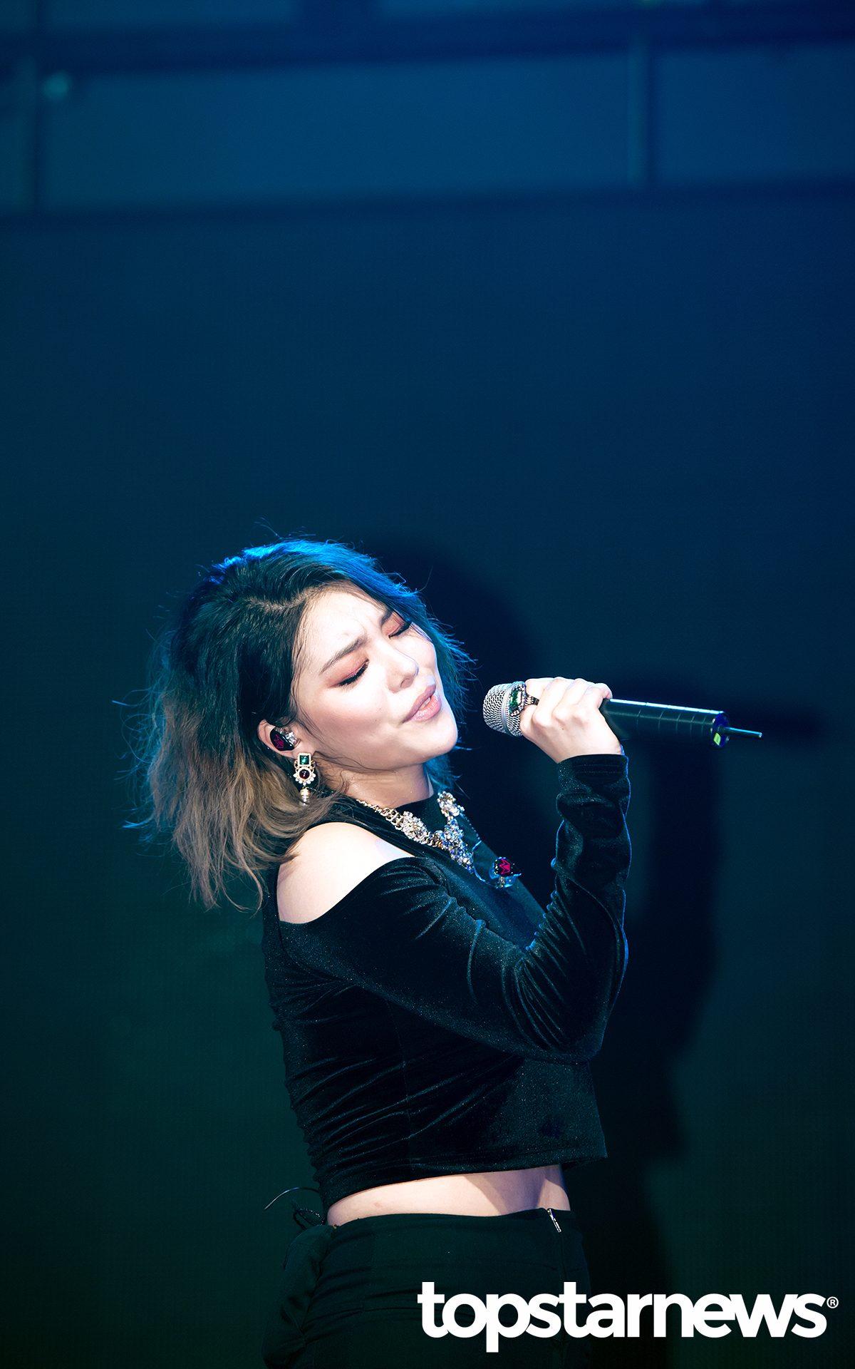 TOP3 Ailee 總共獲得14點。 剛來台灣開完演唱會的Ailee,現場實力真的相當驚人啊!相信有去看演唱會的粉絲們一定都有被震懾到。若要提到目前韓國最會唱的女solo歌手, Ailee絕對能進到前幾名啊~希望 Ailee以後能常常來台灣開唱啊!