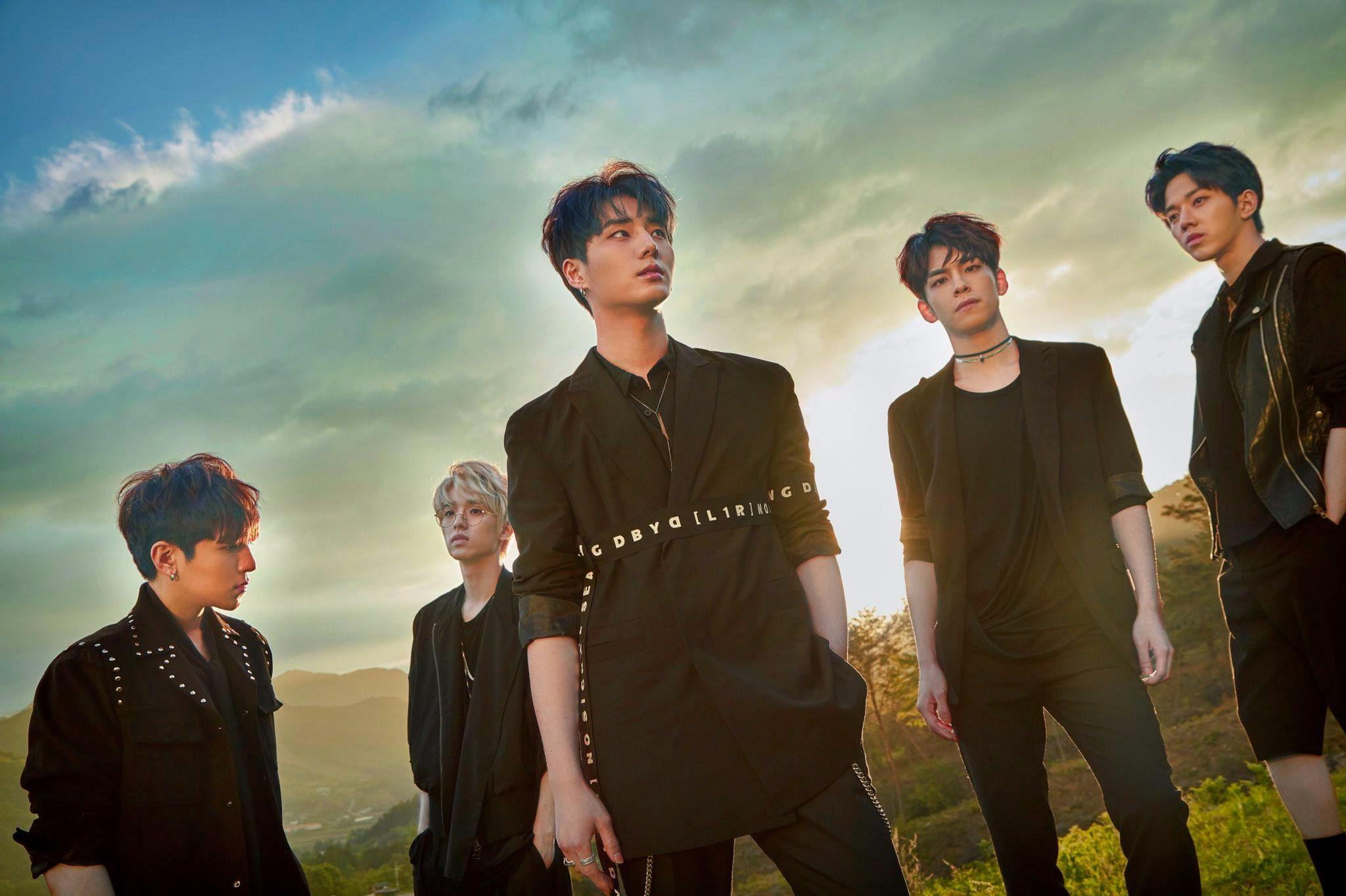DAY6 - Sing me 內行人才知道?DAY6全專都能當主打的程度 歌曲都是成員自行創作 在樂團中也是非常特別的曲風