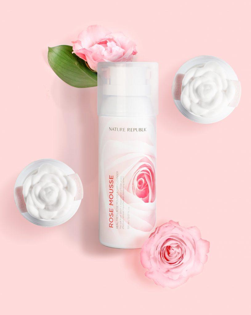 最近女神購入了幾個不錯的產品,雖然在韓國人氣不是那麼高,但是因為算是新產品,而且用起來真的是令人驚豔,所以非常想推薦給你們啦!就是這個NARTURE REPUBLIC的玫瑰慕斯泡泡洗面乳!