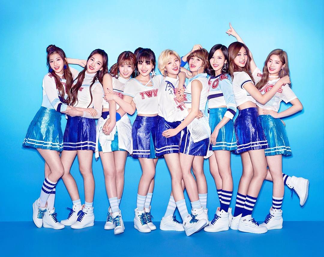 TWICE - Do It Again JYP參與歌曲的製作 TWICE在出道前實境節目SIXTEEN舞台表演的歌曲 就像歌名一樣會想一聽再聽