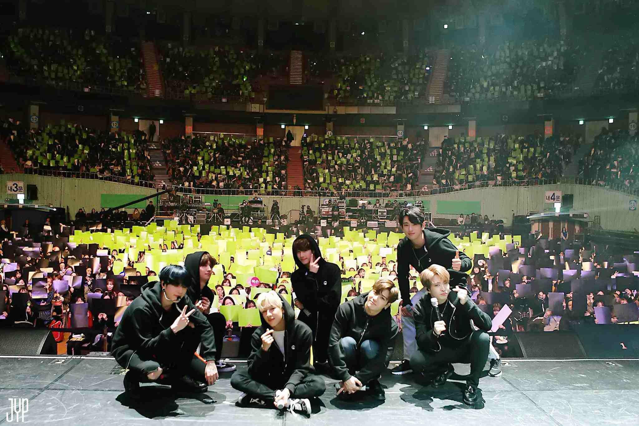 而前陣子也傳出GOT7即將以多樣化的方式進行活動,像是由JB和珍榮組成的「JJ Project」回歸韓國歌壇,其他成員們也會陸續展開SOLO活動,Jackson更會在中國發表SOLO專輯,展現出GOT7多方面的能力