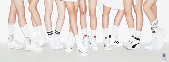 但在7月6日Fantagio娛樂宣布女團的出道名為Weki Meki(韓語:위키미키),團名中的Meki代表著帶有互相了解對方的鑰匙的8位少女,Weki代表著相遇後又帶有打開新世界的鑰匙的少女,而Weki Meki的字首結合成的WeMe則代表了「和我一起成了我們」及「8位少女共同組成一個女團」的雙重意義