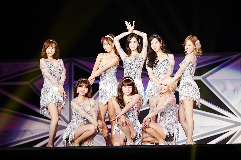 那就是迎來出道十週年少女時代啦! 現在在韓國歌壇能迎來出道十週年的女團真的是少之又少啊! 所以更能感受到少女時代的強大~ 一定要繼續攜手走過下個十年啊ㅠㅠ