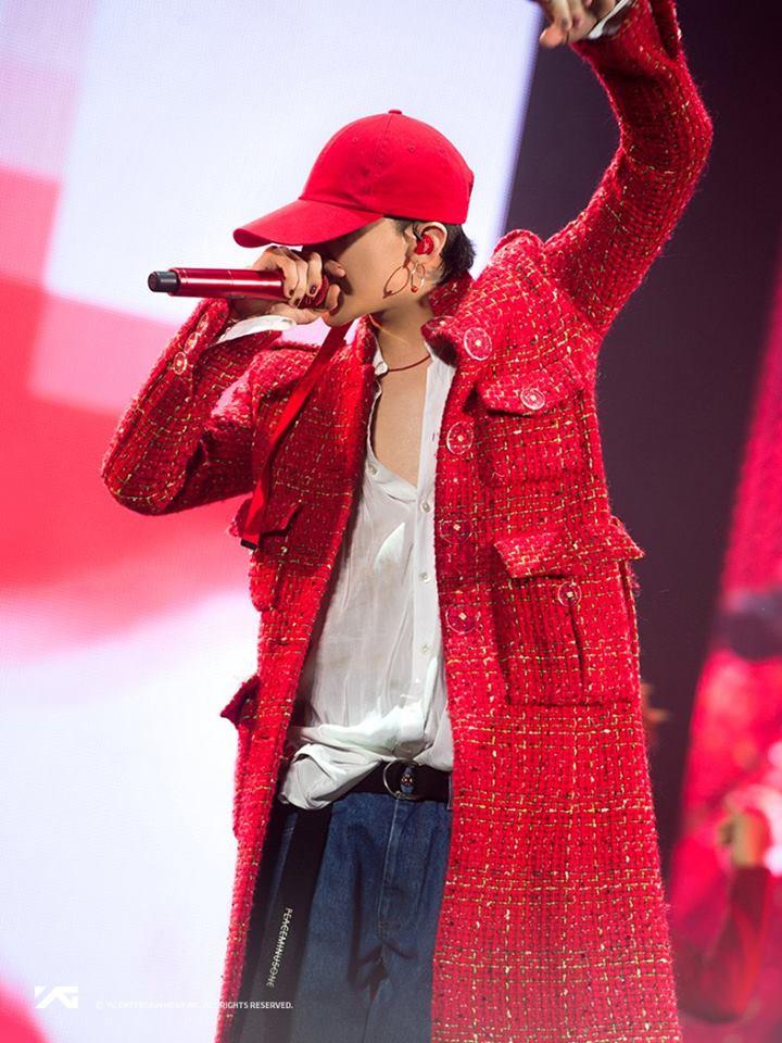 而首當其衝的還是在T.O.P事件的當下就要發片並舉行演唱會的GD,不僅更改原先預定的主打,在演唱會上GD更爆瘦現身,在演唱時肋骨看得一清二楚,更在舞台上向粉絲坦承其實他一直很擔心演唱會會辦不成。也讓不少BIGBANG粉絲心疼GD在面臨發片壓力之下,還要承擔T.O.P事件的眾多關心