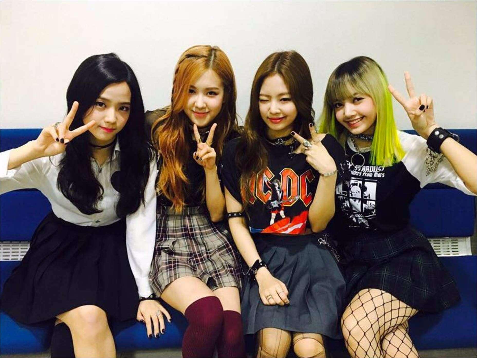 那個大勢女團就是BLACKPINK!! 真的是太神奇了~SM和YG的代表新人女團的互動啊~