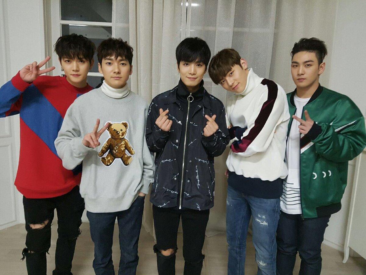 NU'EST 2012年3月15日出道 由Aron、JR、白虎、旼泫及Ren組成