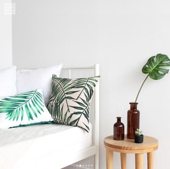 綠葉系列最適合配上簡單的配色啦!不管是擺在床上、床頭邊還是沙發上都很適合,那個抱枕真是可愛到不行啊!