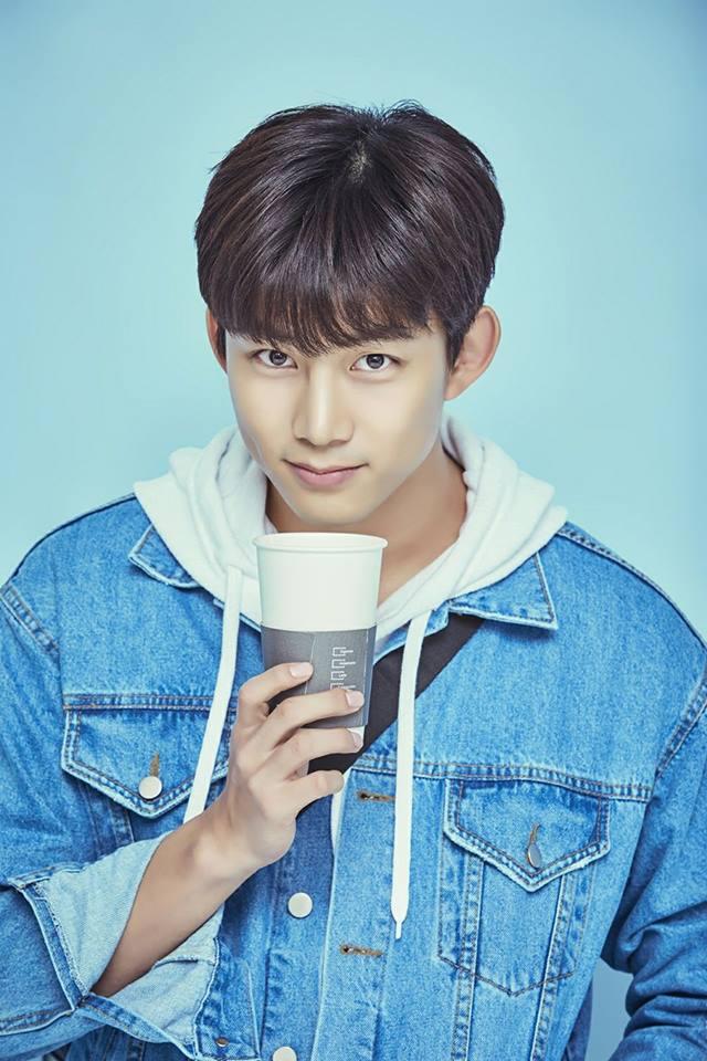 TOP6 2PM 澤演 身高:185公分 為什麼韓國男偶像都可以這麼高啊?是基因的問題嗎(流淚) 而即將在今年入伍的澤演,想到有1年9個月看不到他就覺得好傷心ㅠㅠ 一定要健健康康的回來呀~