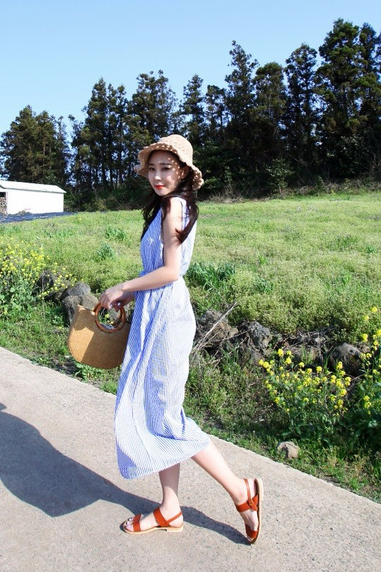 3.BEBUYING 春季新款連衣裙/襯衫/襯衣/連衣裙 夏天不穿連身裙真的對不起自己的身材啊XDD穿起來非常可愛、飄逸,很多韓國女生都會來一件呢!