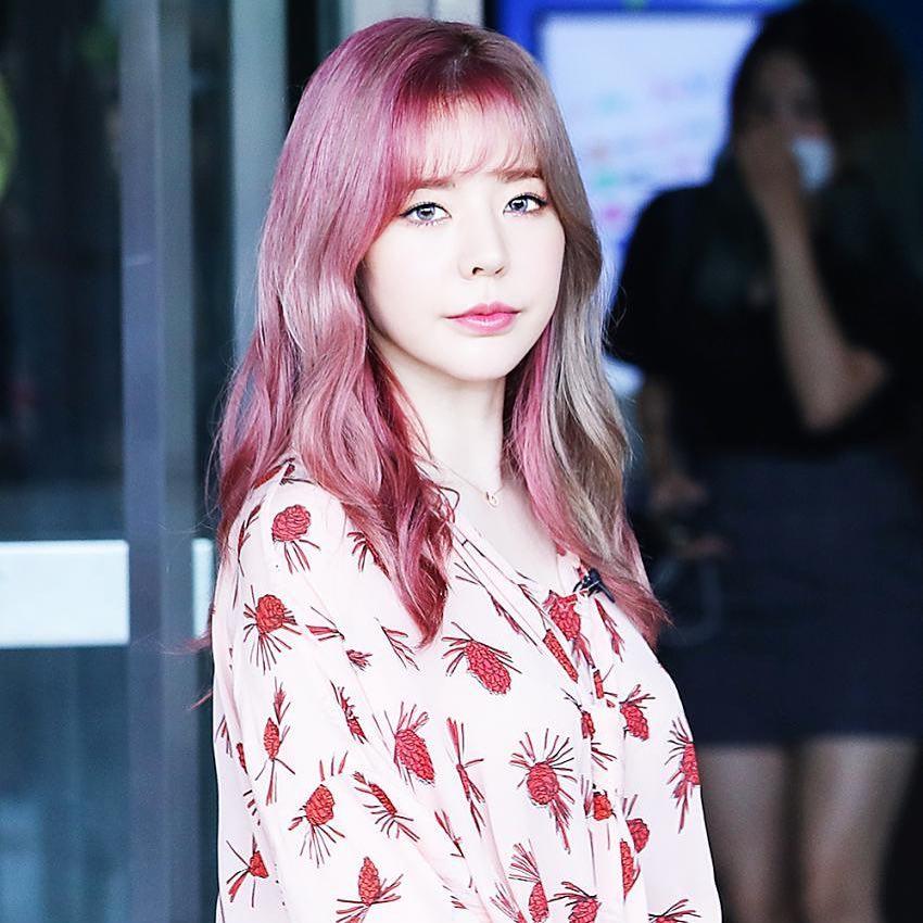 粉絲們期待已久的少女時代終於要回歸啦(尖叫)!!! 成員們也都紛紛換上新髮色,其中Sunny的新髮色最吸睛 粉絲們也都大讚很好看非常適合Sunny♥