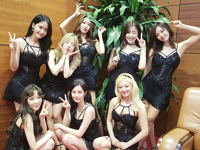 韓國女團代表少女時代今年出道邁入十周年,十年期間少女時代更創下不少驚人的紀錄!他們也將在接下來8月4日帶來正規六輯名為《Holiday Night》,專輯共收錄10首歌曲。