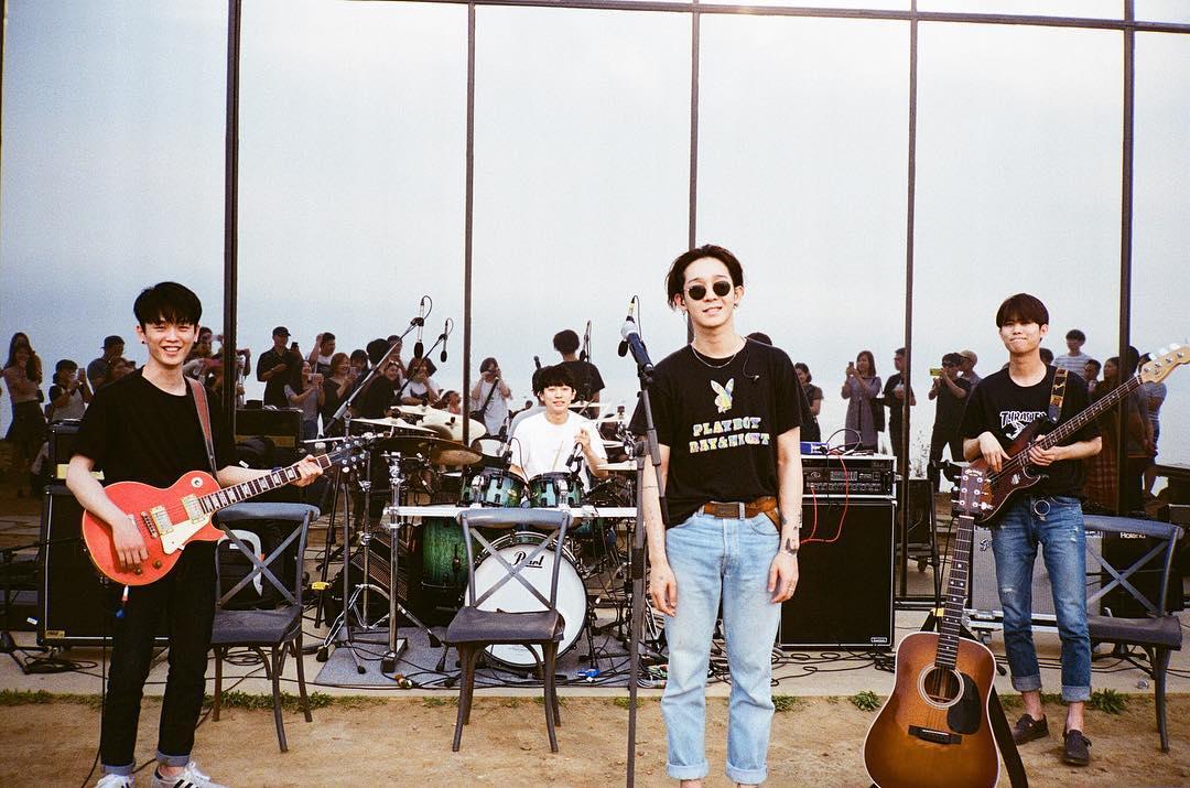 "WINNER前成員南太鉉在離開團體後,不僅註冊音樂公司South Buyers Club成為了公司社長,還成立了自己的樂團 South Club,還在5月發行了新歌 ""Hug Me""~讓許多粉絲的感到相當欣喜!"