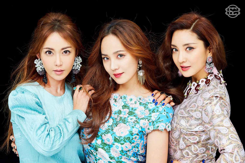 第三名 S.E.S - Im Your Girl 共獲得了6票。 韓國歌壇第一代成功女子團體S.E.S!並是首度讓韓國女子團體活躍至亞洲其他地區的女團~ 而S.E.S第三張專輯Love推出,竟販賣了76萬2千張,創造了韓國女子組合歷來銷量最高的專輯。 而Im Your Girl就是S.E.S的出道歌曲因此更顯得有意義啊~