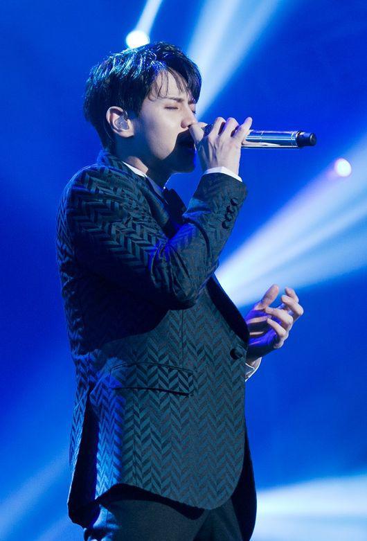 耀燮也參與了KBS戲劇《花郎》OST Part.6演唱了《神來之筆》  這首歌分成男版女版,耀燮演唱了男版部份,曲風迥然不同,歌詞也有些微差異