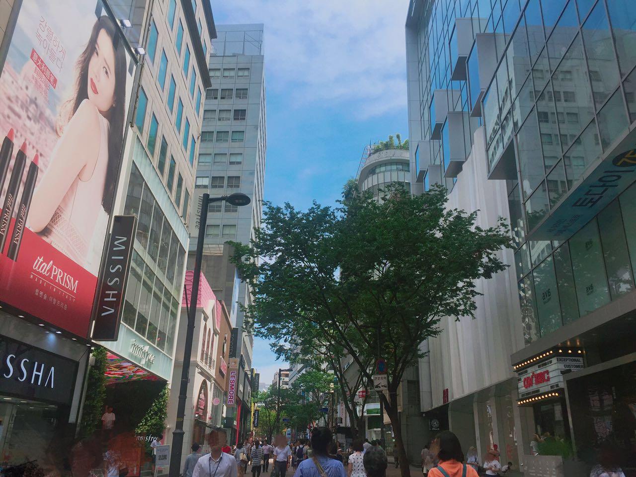 明洞~去韓國必須打卡的購物街,今天小編就來帶女孩們看看明洞有哪些適合學生妹逛的店鋪~