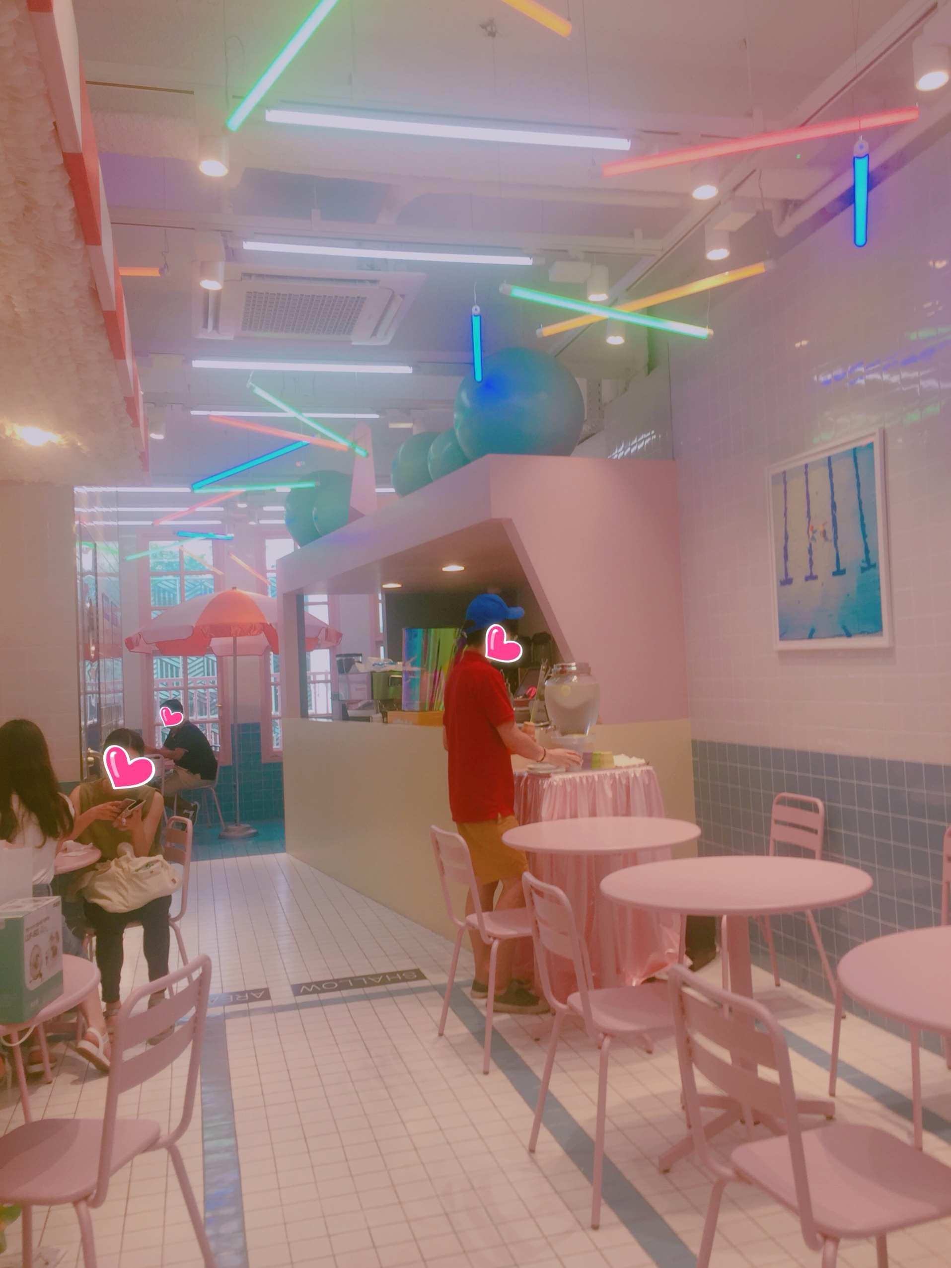 少女心十足粉嫩嫩的咖啡店~~~  逛累了和閨蜜喝杯下午茶吧