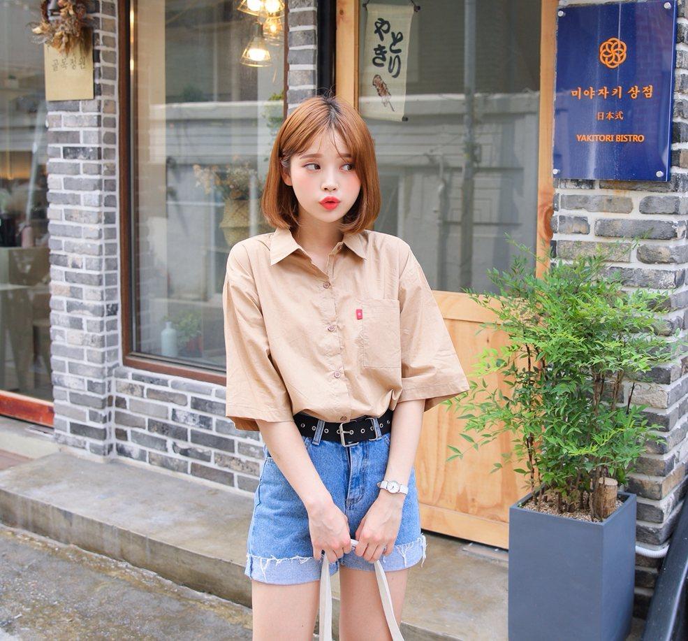 今年夏天韓妞流行的短袖襯衫,也是$360的價格,說什麼都要來一件啊~