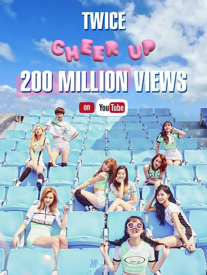 在今年5月26日時《TT》也突破2億次! 就在今天她們又在度打破了自己的記錄,《CHEER UP 》也達到2億次的觀看次數!! TWICE也成為韓國第一個在YouTube點閱率超過2億的有2首歌的偶像藝人!!!
