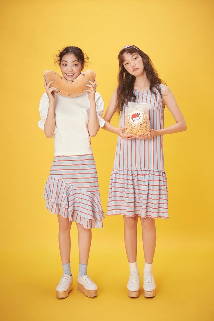 女生的裙子跟洋裝是不是很可以!!好姊妹一起穿著也很俏皮!