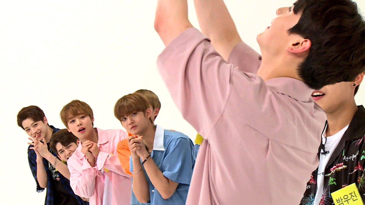 Wanna One還未正式出道前就接了許多廣告代言,走在韓國街頭都能看見成員們的照片,在咖啡廳播的音樂也都是《PRODUCE 101 第二季》時所演唱的歌曲~