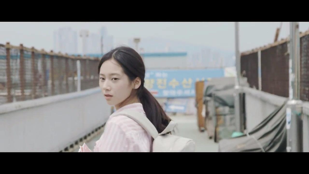 這位女主是JYP的練習生오한설  有清純樸素的氣質!!!