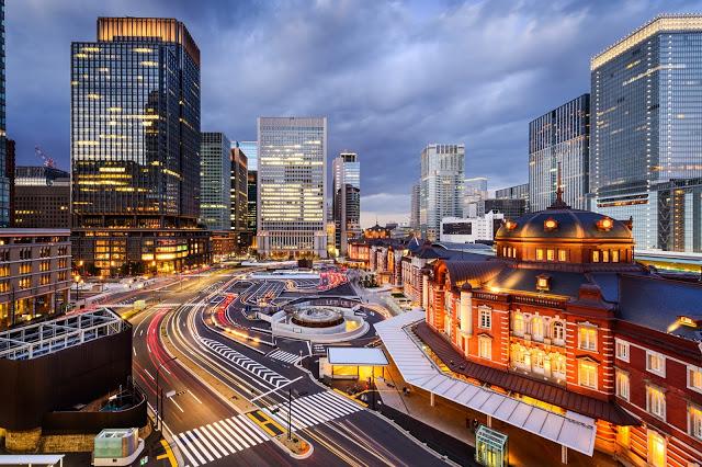 5. KITTE GARDEN(KITTEガーデン)  KITTE GARDEN為舊東京中央郵局大樓所改建,館內有好逛的服飾店、餐廳等,六樓的空中花園更能一邊散步一邊欣賞東京車站周圍的美麗景色!