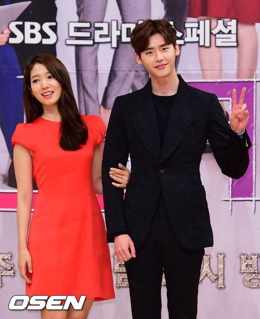 而最近在韓國網路上瘋傳,又再度讓觀眾的幼小心靈受到創傷(?)的男演員,就是同樣是模特兒出身的李鐘碩。李鐘碩雖然自己的身高高,但每回搭檔的女演員其實身高也不矮。像是朴信惠就有168