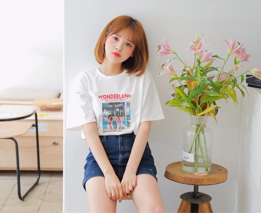 特殊印花的T恤也是打完折NT$270的價格而已,拜託這在外面韓貨店隨便一件都要NT$350起跳吧...