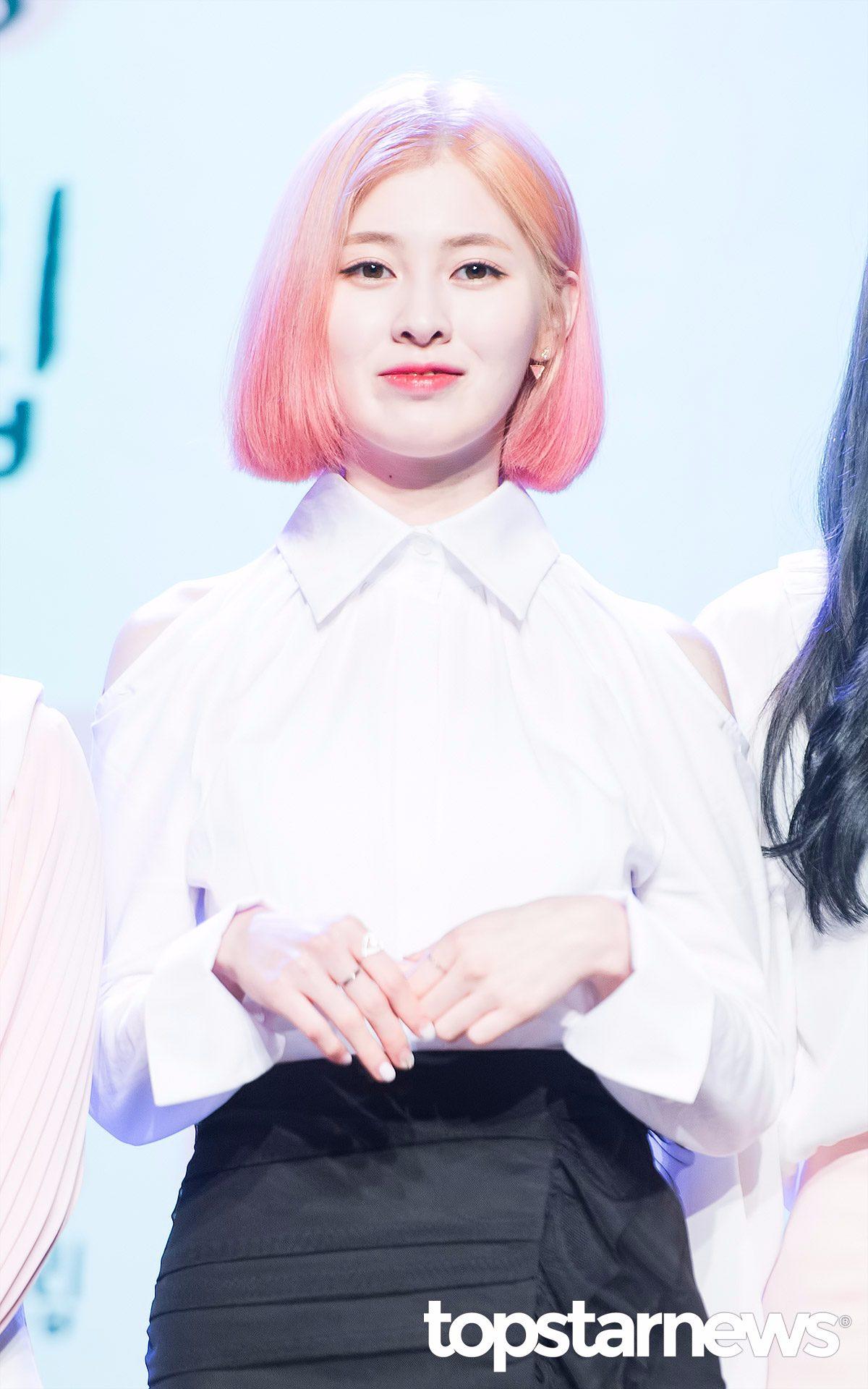 另一位破格變身的成員就是豫彬啦! 之前可愛的粉紅色中短髮已經不復見了ㅠㅠ