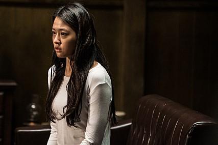 而且雪炫在新戲裡也證明她想要「證明自己」不是說說,連電影導演也提到雪炫這次的演出是「放下她的偶像包袱,想要演出最單純、自然的樣子」,就連妝容也放下大家對雪炫華麗的印象,看得出來真的是努力想要表現好