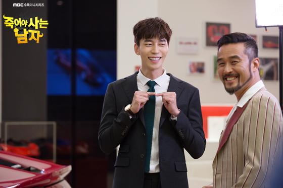 ✿TOP 9 - MBC《死而復生的男人》 話題佔有率:5.24%  ➔上升1個名次 ※由崔民秀、強藝元、申成祿、李昭娟主演,此劇講述生活富裕的王國伯爵為找尋女兒來到韓國後發生的故事。粉絲們如果常看韓國綜藝或戲劇的話,肯定對崔民秀( Running Man獵人 )、申成祿(《來自星星的你》反派)兩位男主角不陌生吧,而這次兩人突破形象挑戰喜劇!