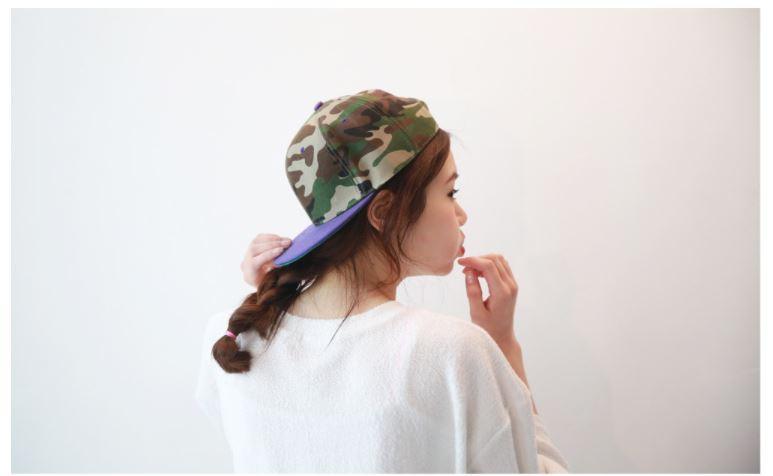 *帽子不要戴太緊 不管是哪一種類型的帽子鬆緊度都是很重要的!最好是能夠伸進一隻手指的距離比較好!
