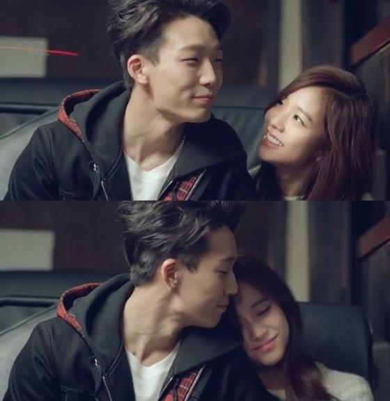 而除了大家都知道的泰籍成員Lisa之外,大家比較不會搞混的,還有從出道前就和iKON的Bobby以及李敏鎬拍過廣告、MV的隱藏王牌Jisoo