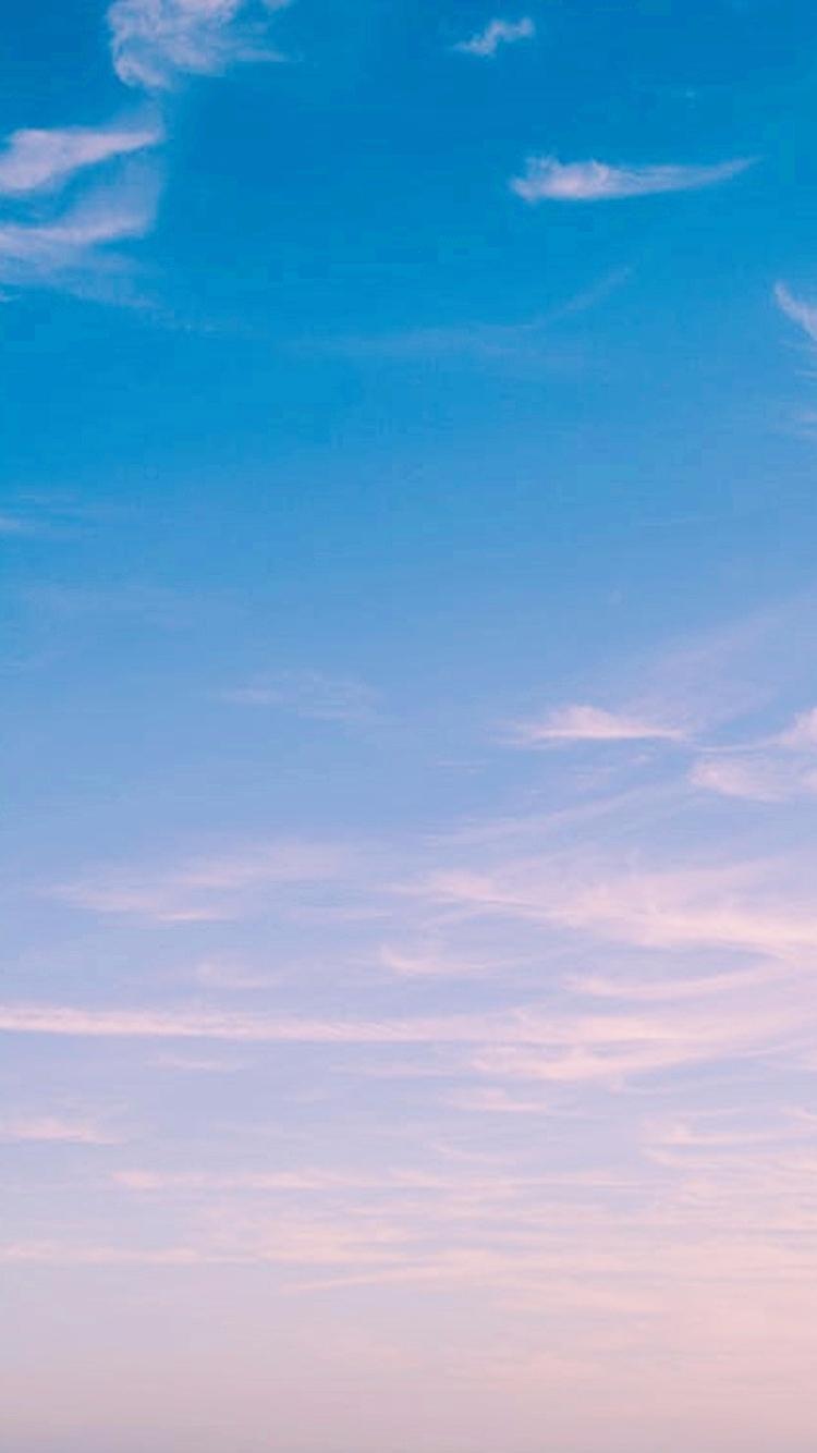 藍粉色漸層好像不管怎麼樣都美到不行啊~