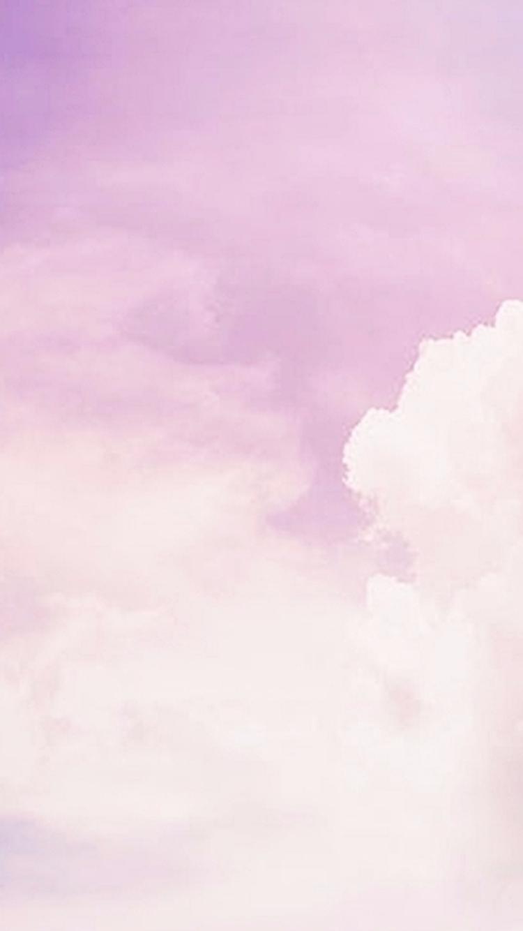 紫色漸層配合雲彩更夢幻了啊!